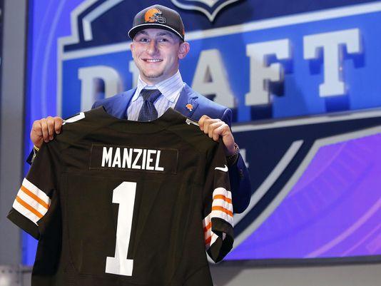 1399620439000-USP-NFL-2014-NFL-Draft-032